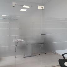 Pastatų stiklų matinimas dekoravimas
